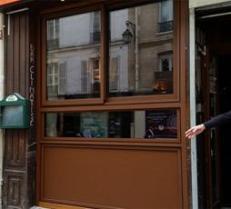 Devanture d 39 un bar pub fa ace vitr e paris fpba concept for Empecher ouverture fenetre pub