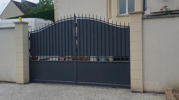 Dépose et pose d'un portail en fer à ouverture automatique