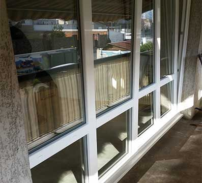 Remplacement de la baie vitrée d'un appartement avec porte fenêtre ouvrant sur balcon